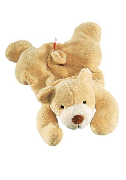 Liegender Bär, Kirschkernsack Klettverschluss am Bauch