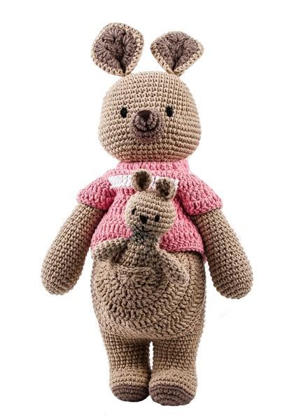 Häkel-Känguruh mit Pullover Känguruh-Baby